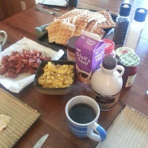 This sure doesn't look like a diet to me! Big breakfasts are something our family loves to enjoy together.